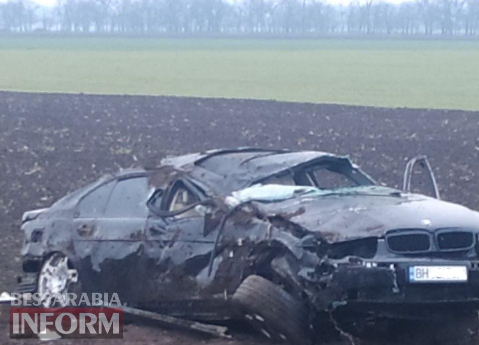 На трассе Одесса-Рени в Измаильском районе BMW, кувыркаясь, улетел в поле - водитель погиб