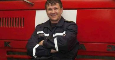 Жертв уже восемь: сегодня в течении дня под завалами нашли ещё двух погибших на пожарище в одесском колледже. Один спасатель умер в больнице