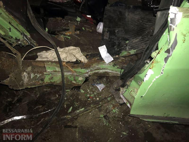 Уходили от погони? Ночью в Измаиле в ДТП серьезно пострадали молодой парень и девушка
