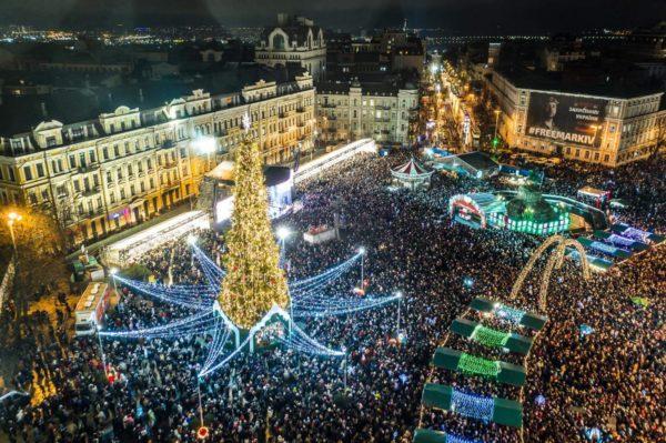 Главная ёлка Украины вошла в ТОП-5 самых красивых в Европе