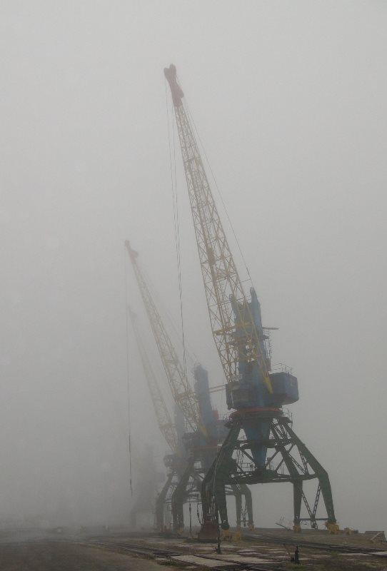 В Измаильском морском порту из-за тумана ограничены лоцманская проводка и грузовые операции