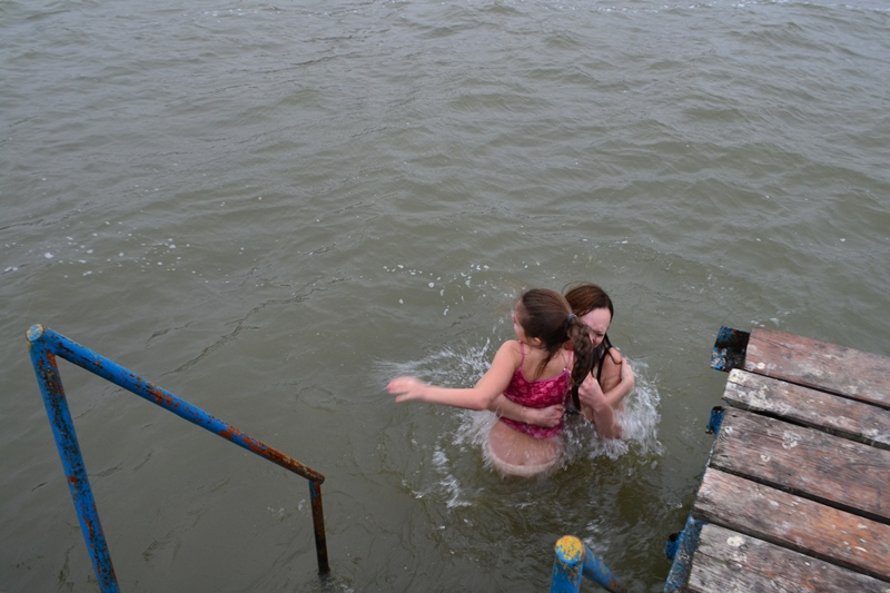 Аккерманцы отметили Крещение окунаясь в воды Днестровского лимана (фоторепортаж)
