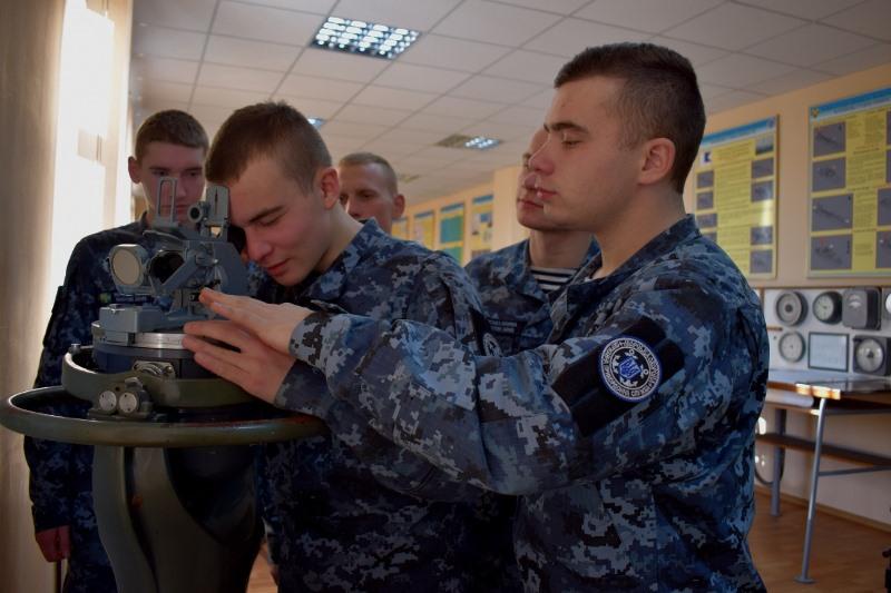 Измаил: в Учебном центре Морской охраны состоялся первый выпуск младших специалистов морской и речной  навигации 2020 года