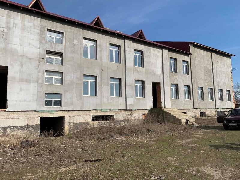 В Тарутинском районе начали искать финансирование на завершение строительства новой школы в селе Надречное