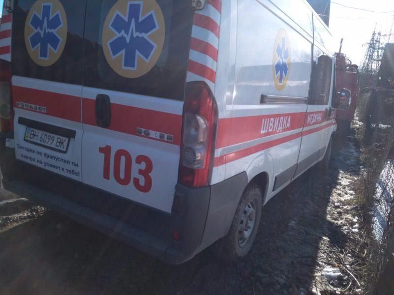 В Измаиле на грунтовой дороге застряли одновременно две машины скорой помощи, спешащие на вызов
