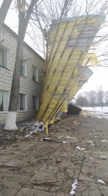 Непогода вскрыла проблему качества ремонта в учебных заведениях - в Татарбунарском районе ветром сорвало крышу со школы