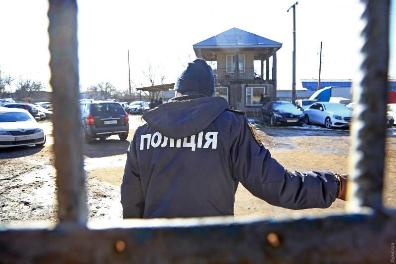 Пожар на штрафстоянке в Одессе: причиной происшествия полиция называет самовозгорание гибридного «Лексуса»