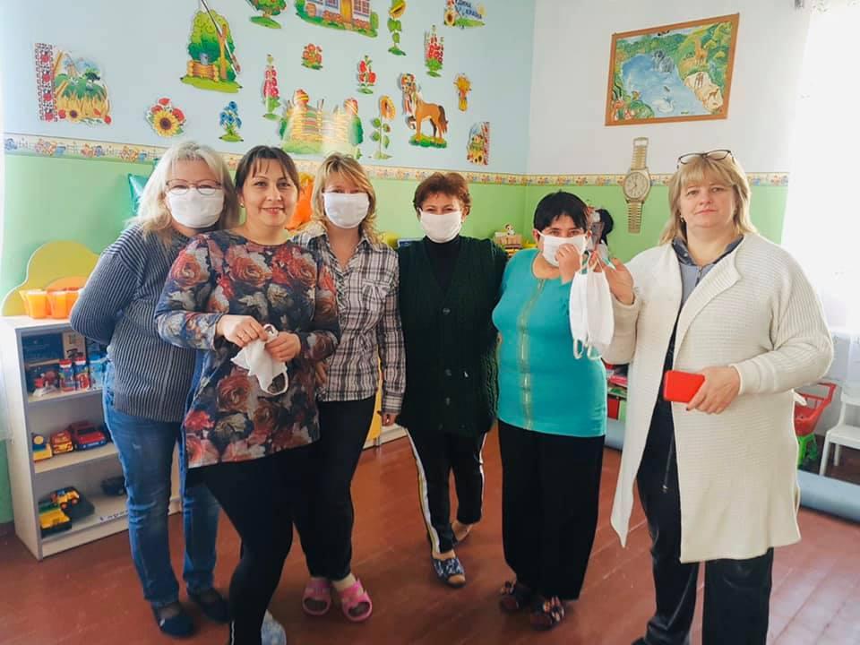 В Килии массово закупают и шьют защитные маски для населения