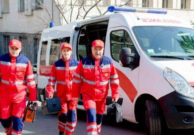Работники «скорой» включены в перечень медспециальностей, которым положен тройной оклад во время эпидемии коронавируса