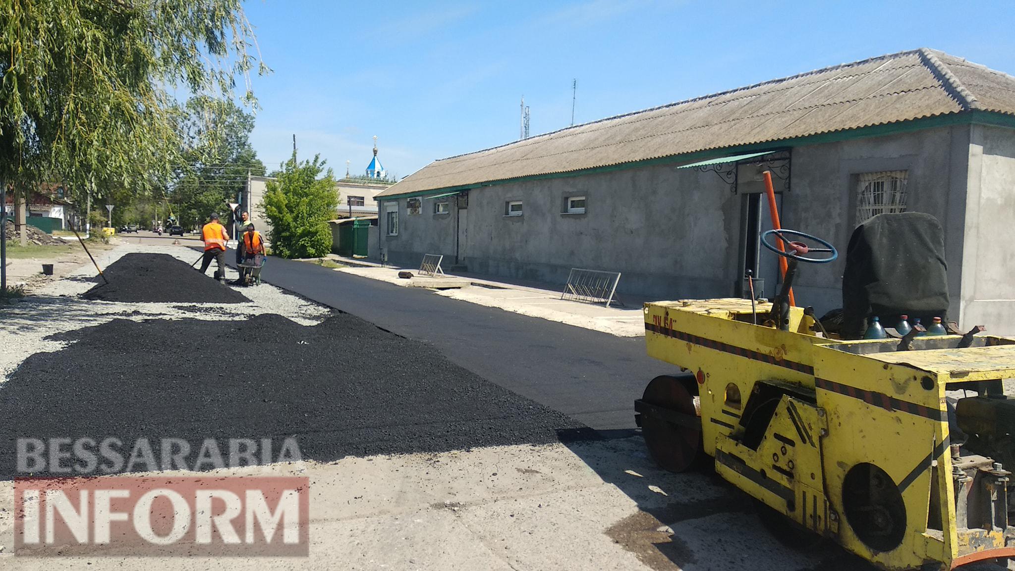 В Килии завершился ремонт на одной аварийной дороге и сразу же начался на другой