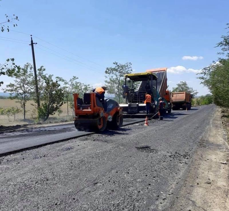 На одной из дорог Ренийского района начался ремонт - водителей просят быть предельно внимательными