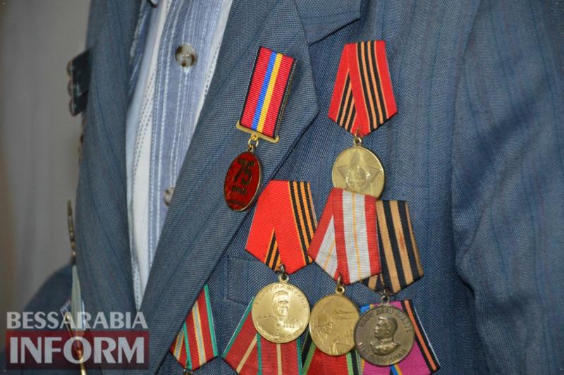 75 годовщина Победы в Килии: церемония возложения цветов, панихида по погибшим и награждение фронтовиков