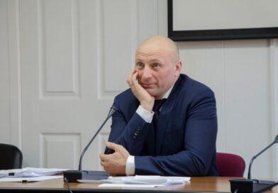 Встретимся с президентом в суде: мэр Черкасс подал в суд на Зеленского из-за оскорблений