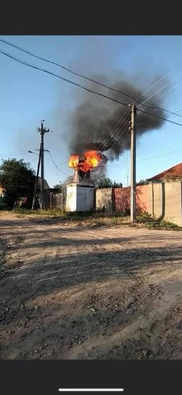 В Рени произошел пожар в трансформаторной будке - из-за сгоревшей подстанции обесточены несколько улиц