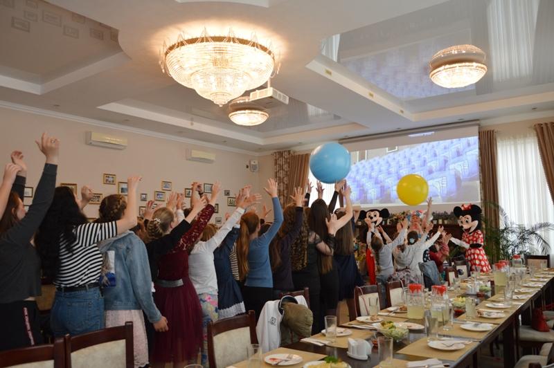 """Представитель """"Фонда Добра и Любви"""" Марк Дубовой совместно с Килийским горсоветом организовал благотворительный бал для детей"""