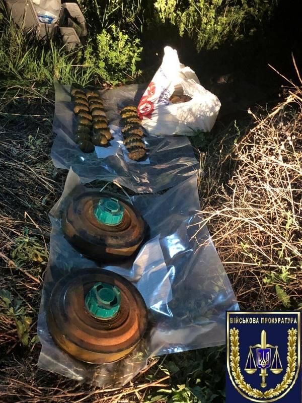 Гранаты, тротил, бронежилеты и каски: в Одесской области военнослужащий пытался продать ворованный арсенал боеприпасов