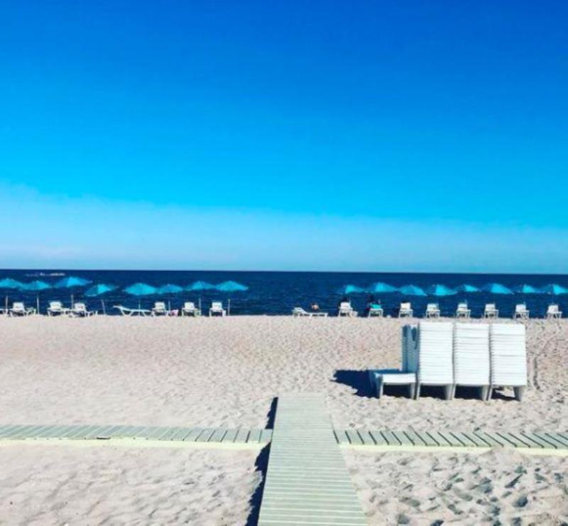 На берегу моря: в курортной Затоке Василий Ломаченко открыл собственный отель