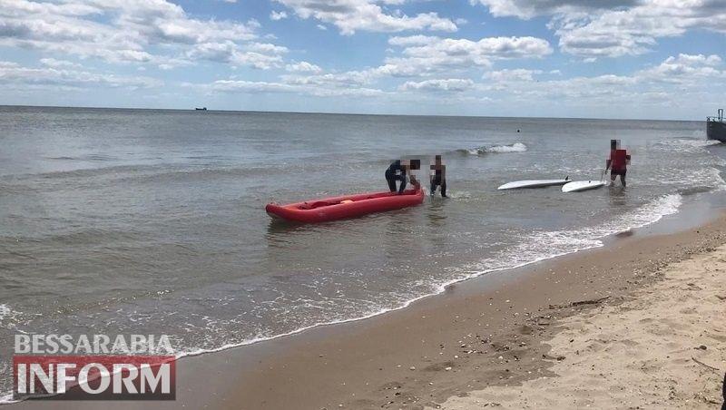 Вблизи курортов Бессарабии едва не унесло в море 12 байдарочников и серферов, среди которых были дети