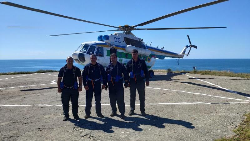 Исторический полет после крупнейшей авиакатастрофы в погранвойсках: на остров Змеиный впервые за 12 лет приземлился пограничный вертолет