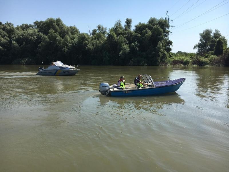 Засмотрелись на пейзажи: супруги из Румынии, прогуливаясь на моторной лодке по Дунаю, нарушили госграницу Украины