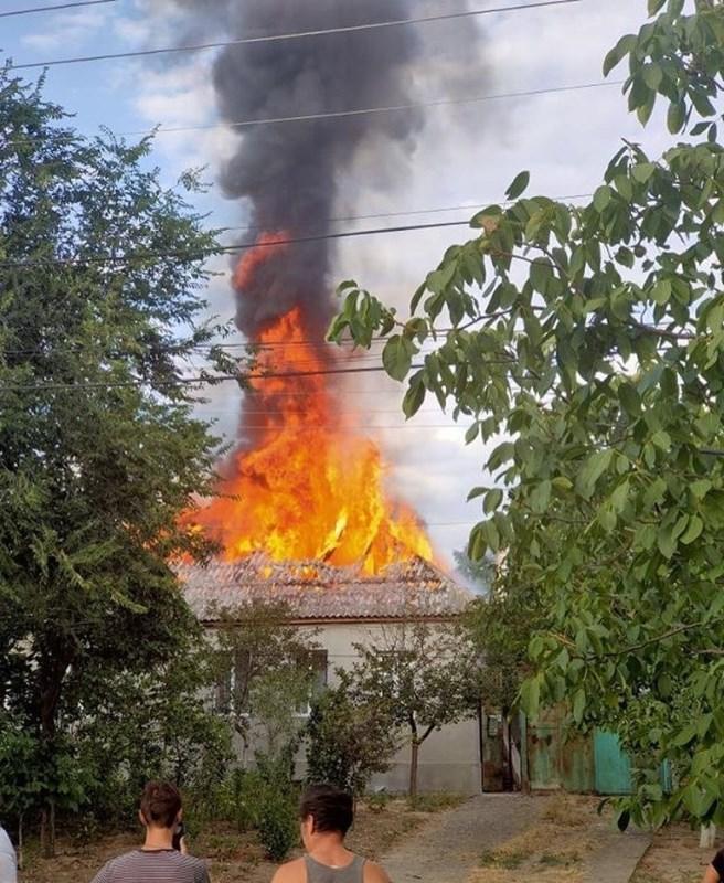 В Болграде полыхала крыша жилого дома