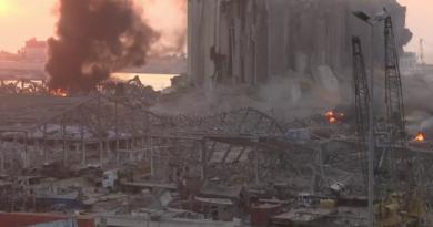 В Бейруте прогремел мощнейший взрыв: «вздрогнул» весь город, есть жертвы и сотни раненых