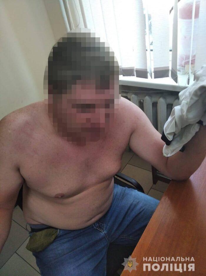 В Одесской области пьяный водитель пытался сбежать от патрульных, а при задержании начал кусаться