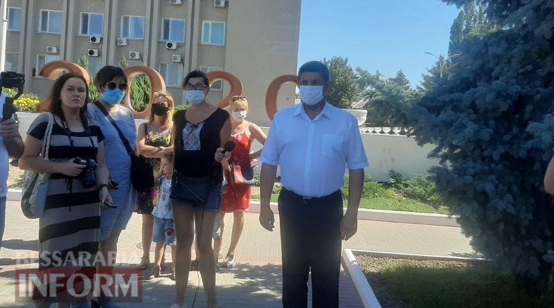 """Ограничения «красной зоны» в Измаиле не отменит даже """"цунами"""": результаты встречи мэра с народом"""