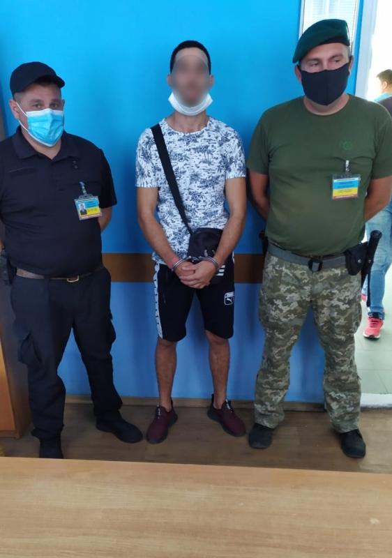 В Болградском районе пограничники задержали гражданина Молдовы, которого разыскивали правоохранители его же страны