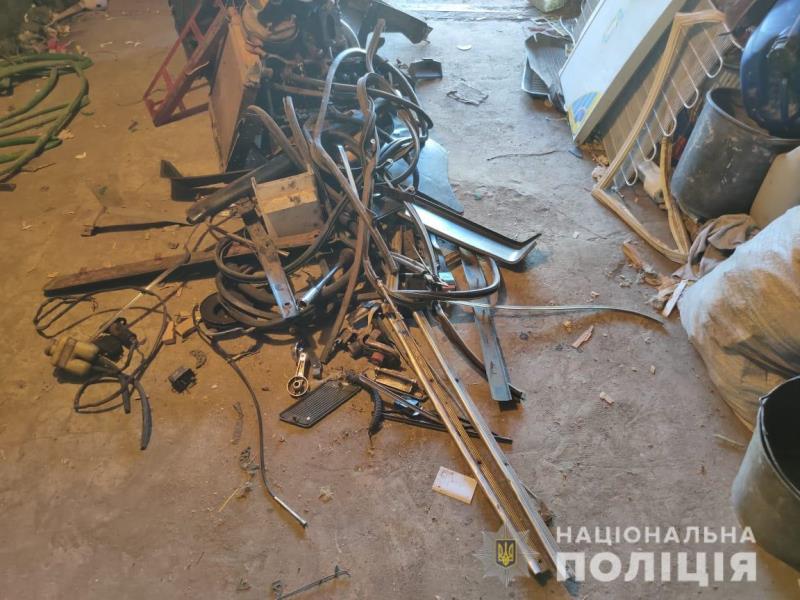 В Килии пенсионер угнал чужой автомобиль, разрезал на части и сдал на металлолом - владельцу вернули оставшиеся части