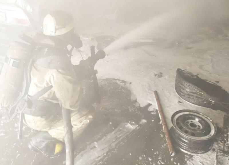 Пожар на СТО в Белгород-Днестровском районе: сгорело несколько машин