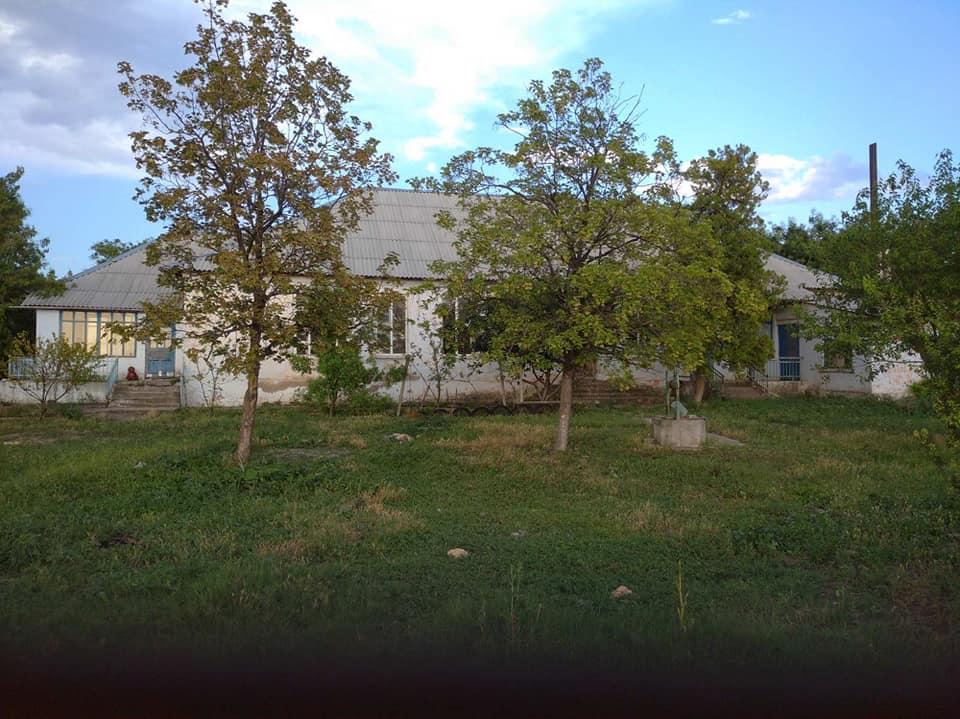 Парковая зона с видом на озеро: в Болградском районе кардинально преображают заброшенный детсад