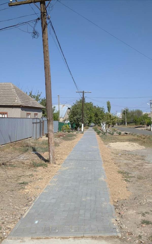 Это вам не Измаил: в селе Болградского района тротуарную плитку укладывают по-болгарски