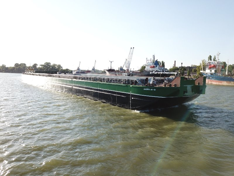 В Измаиле спустили на воду самую большую баржу в истории Украины