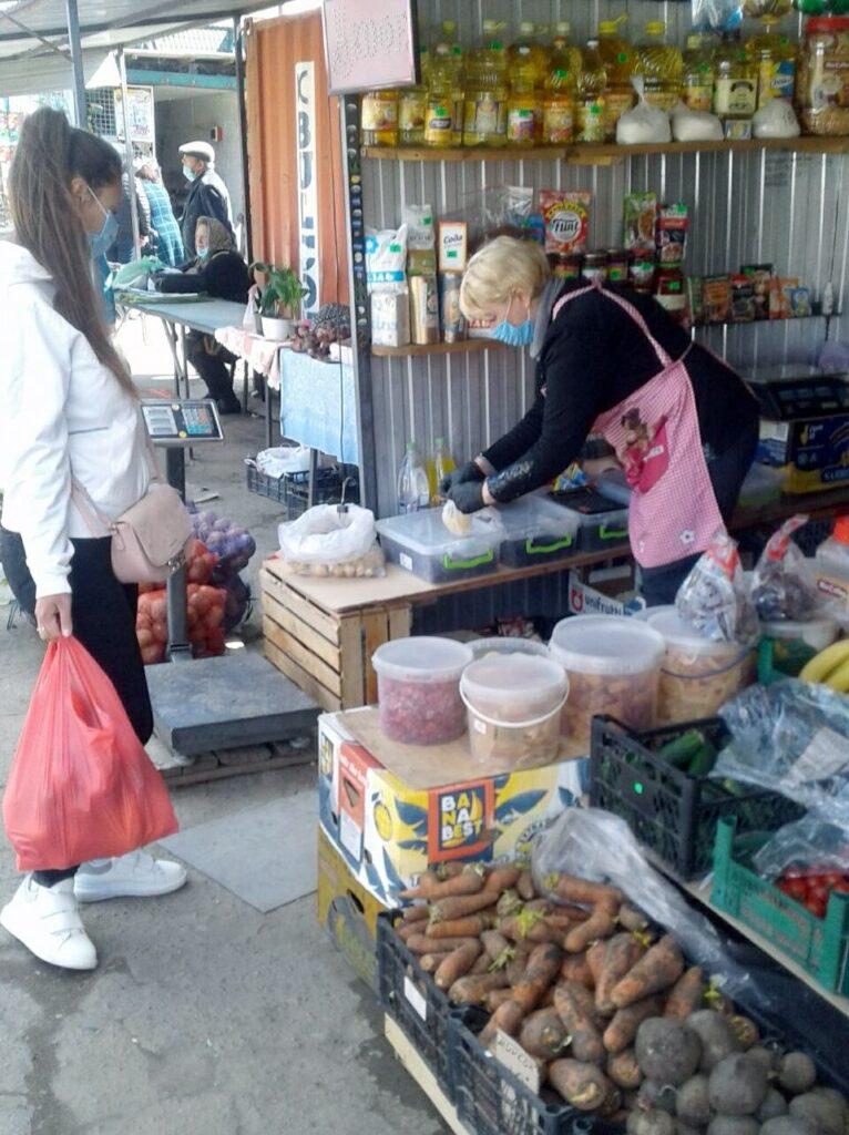 Как соблюдают карантин: Госнадзор проверил рынки Одесской области