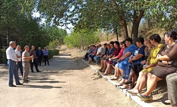 Накануне выборов выяснилось, что в Тарутинском районе люди сидят без воды и мобильной связи