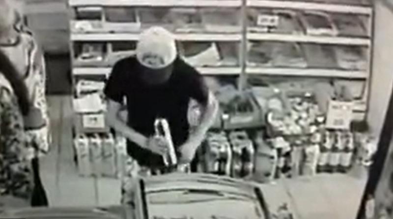 В Одеській області затримали магазинного злодія – награбоване він ховав у труси