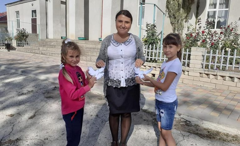 День мира в Тарутинском районе: каждый белый голубь получил послание