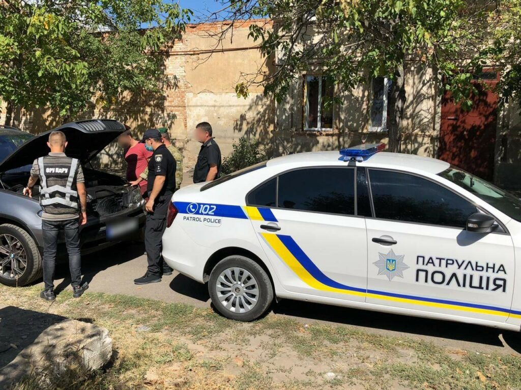 """Выяснилось, во сколько водителю обошлась прогулка по Измаилу на элитном """"бумере"""" с болгарскими номерами"""