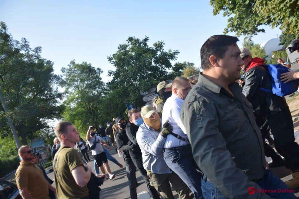 Вооруженные люди и полсотни задержанных: как в Одессе ОПЗЖ готовится к партийной конференции (ОБНОВЛЕНО)