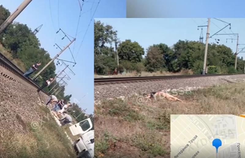 В Одесской области 22-летнюю девушку сбил поезд - она была в наушниках