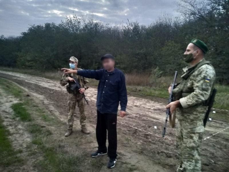 """Собирался к родственникам в Болград: молдаванин может """"сесть"""" на 3 года незаконное пересечение границы"""