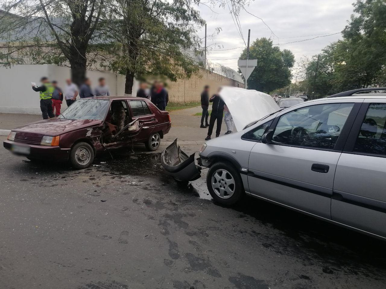 Очередное ДТП в центре Измаила: двое человек в больнице