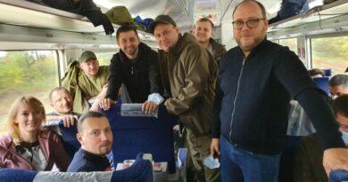 120 нардепов от фракции «Слуга народа» уехали на Донбасс