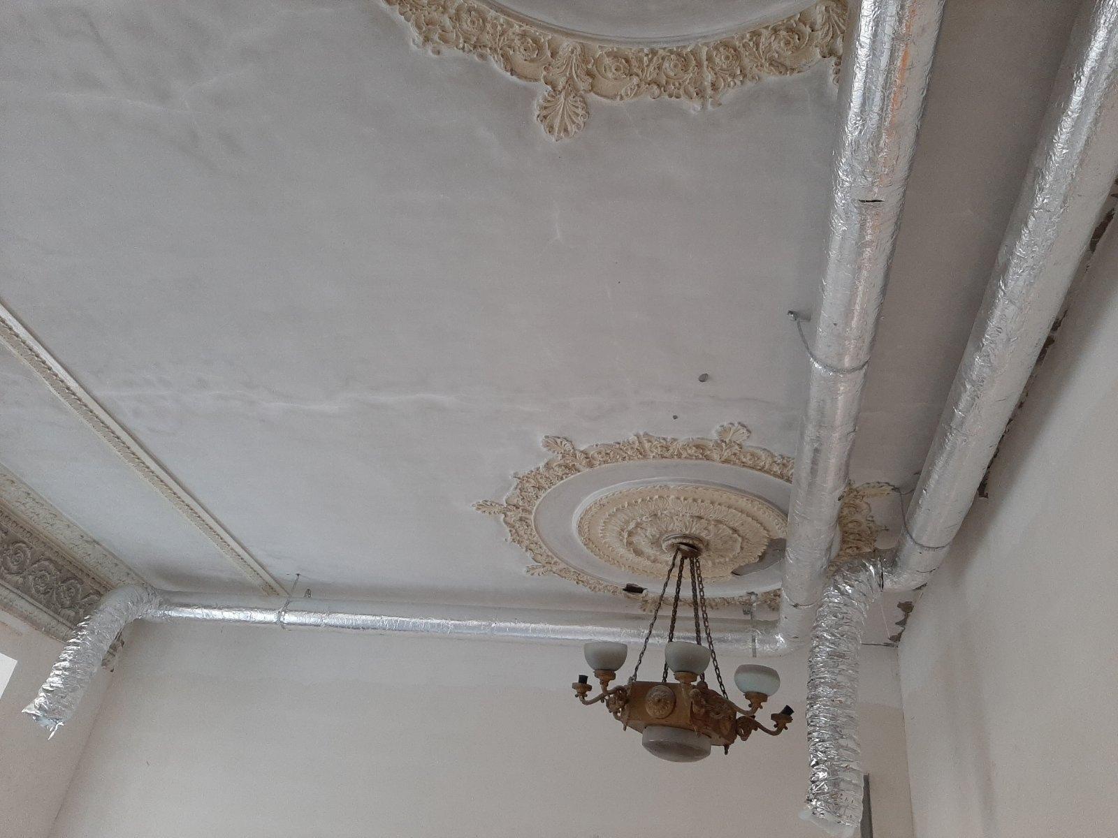 Что происходит в приемном отделении Измаильской горбольницы и когда сдадут долгострои: прибывшему из Одессы руководству ОГА показали объекты