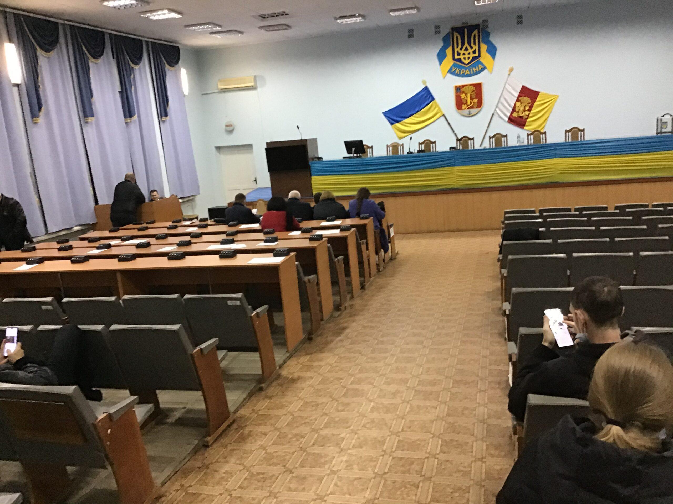 Первая сессия комом: новоизбранные депутаты укрупненного Белгород-Днестровского района пытаясь договориться заседали до поздней ночи