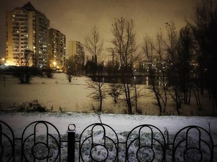 Столицу Украины засыпало снегом (сказочные фото)