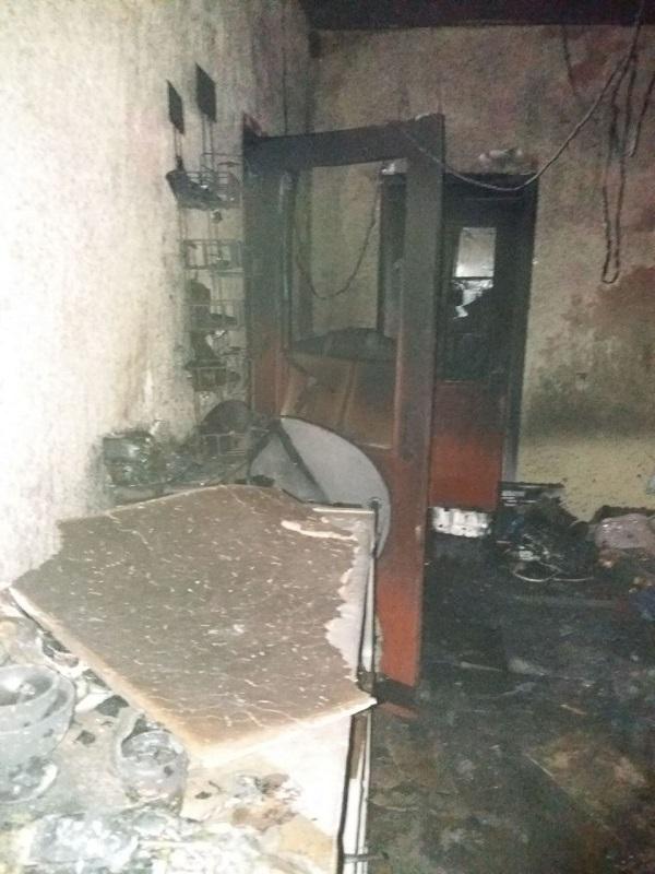"""В Саратском районе неизвестные бросили в магазин """"коктейль Молотова"""": полиция открыла уголовное производство"""