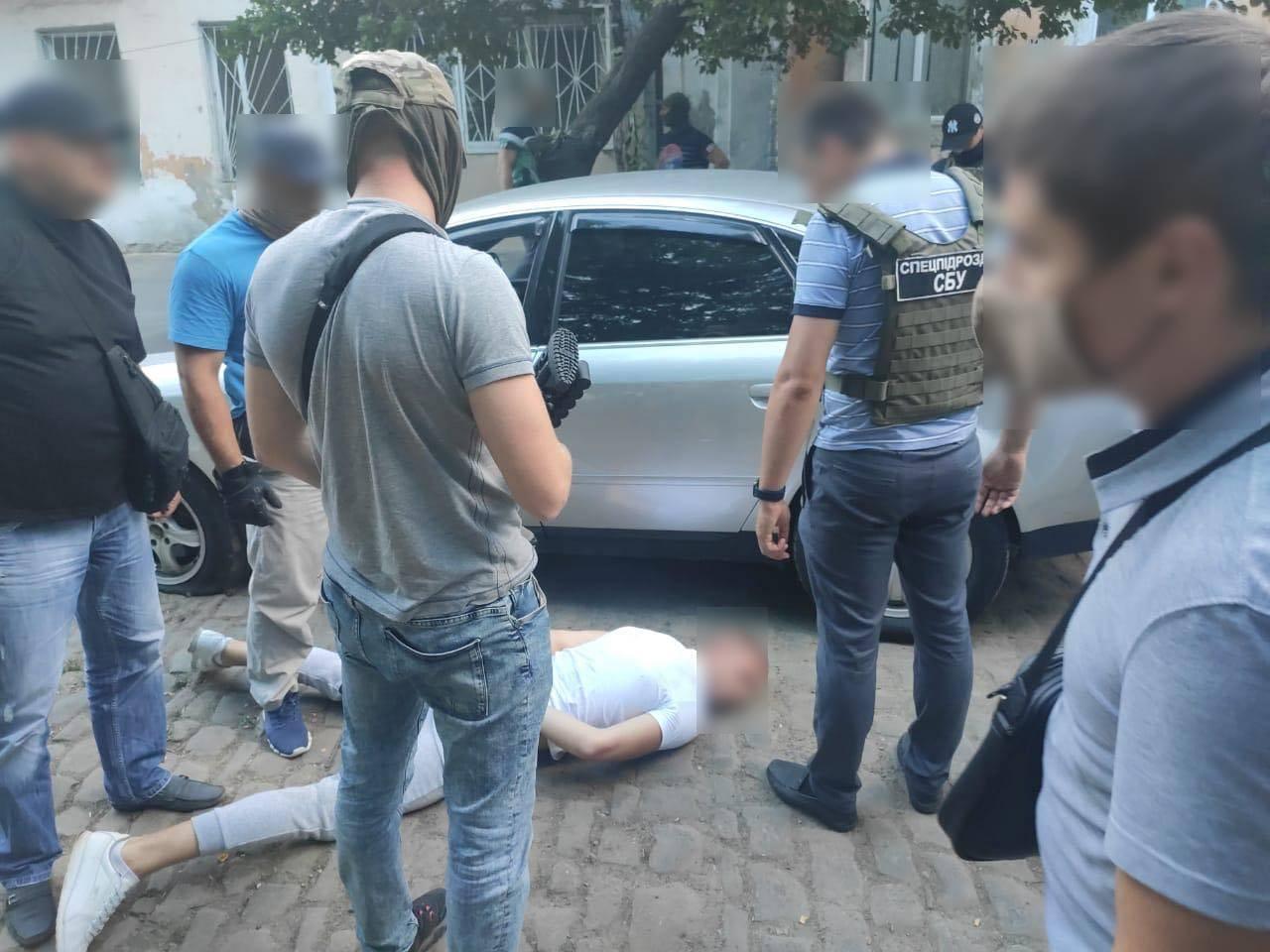 """В Одессе будут судить банду, ловившую """"на живца"""" мужчин в соцсетях ради наживы"""