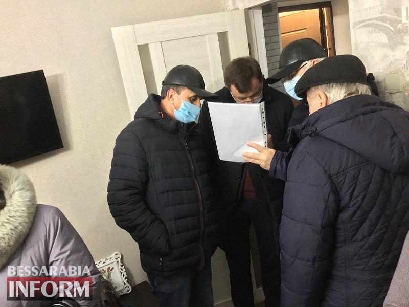 Коммунальщики vs. пострадавшие: причины потопа в старой двухэтажке в Аккермане выясняет комиссия